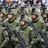 自衛隊「採用年齢」引き上げの裏側
