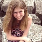 【海外】夫婦が撃たれて死亡、13歳の娘が行方不明に。
