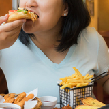 「食べ方が汚ねえ!」テレ東名物の『大食い選手権』が視聴者から大不評