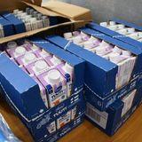 東京「被災地に液体ミルク1000本送るで〜」北海道「液体ミルクは使うな!」